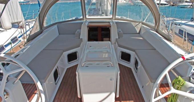 Boat rental Jeanneau Jeanneau 54 in Lávrio on Samboat