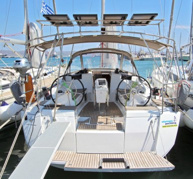 Boat rental Lávrio cheap Sun Odyssey 419