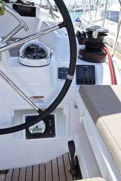 Jeanneau Sun Odyssey 419 between personal and professional Lávrio