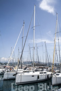 Rental Sailboat in Lávrio - Hanse Hanse 415