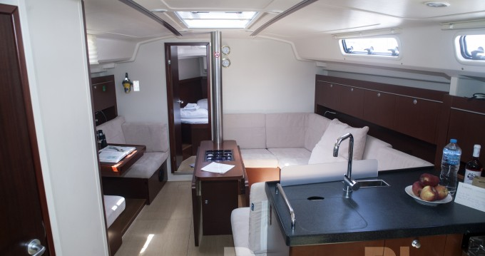Rental yacht Lávrio - Hanse Hanse 415 on SamBoat