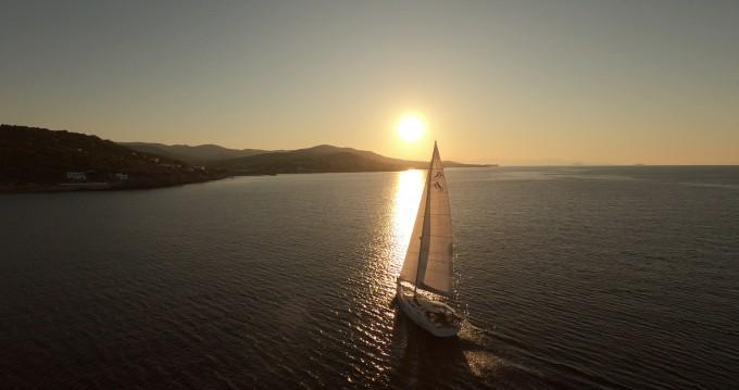 Rental Sailboat in Alimos - Hanse Hanse 588