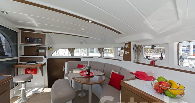 Rental Catamaran in Alimos - Lagoon Lagoon 380 S2