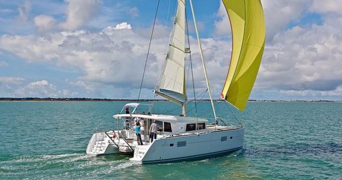 Rental Catamaran in Lávrio - Lagoon Lagoon 400 S2