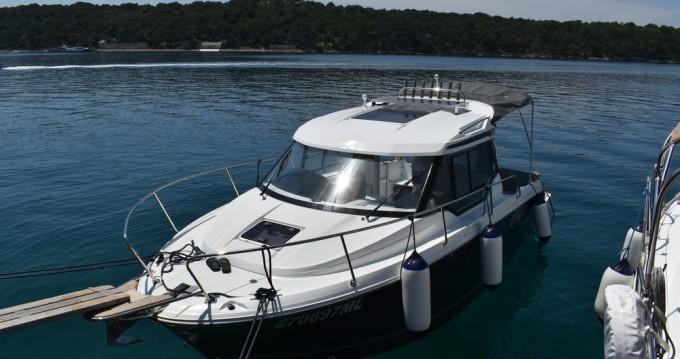 Hire Motorboat with or without skipper Jeanneau Mali Lošinj