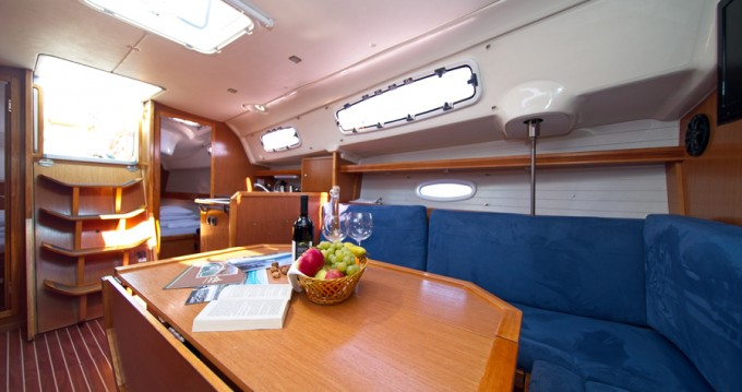 Rental yacht Murter - Bavaria Bavaria 35 Cruiser on SamBoat