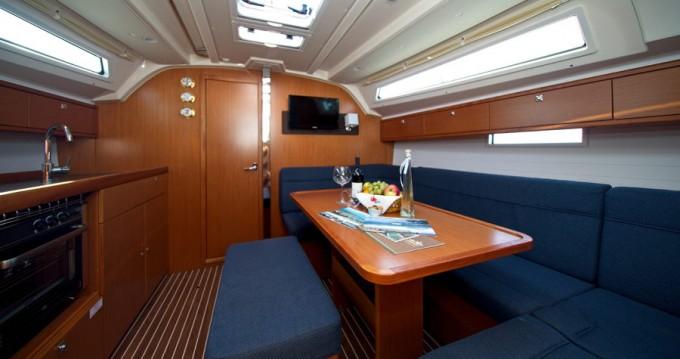 Rent a Bavaria Cruiser 41 Murter