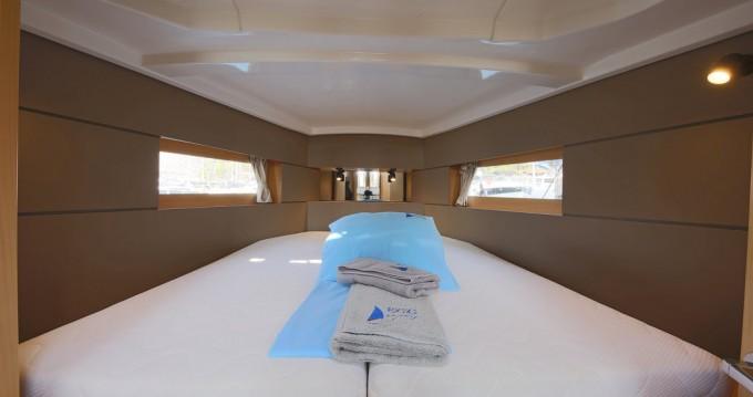 Boat rental Bénéteau Oceanis 38.1 in Göcek on Samboat
