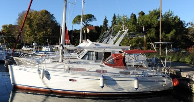 Rental Sailboat in Zadar - Bavaria Bavaria 34 Cruiser - 2 cab.