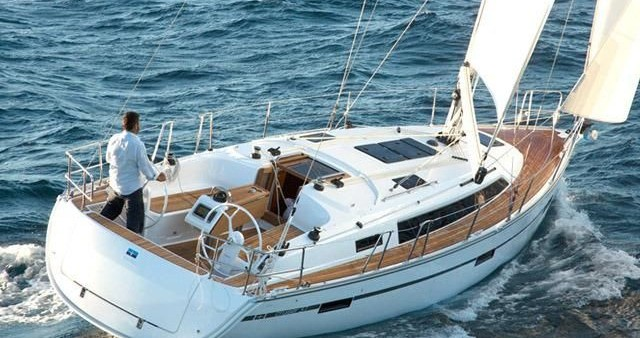 Rent a Bavaria Bavaria Cruiser 34 Style Zadar