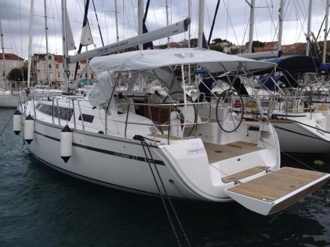 Rental yacht Seget Donji - Bavaria Cruiser 37 on SamBoat