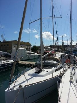 Boat rental Dufour Dufour 350 GL in Trogir on Samboat