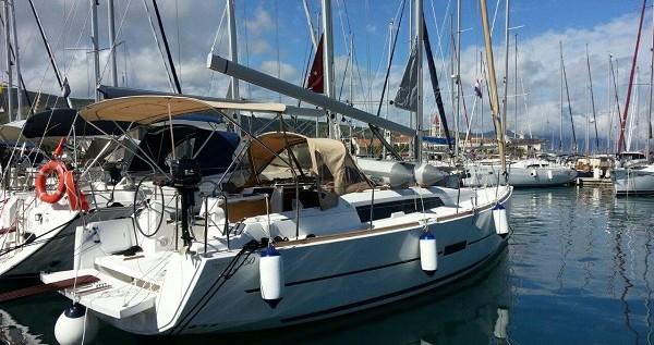 Boat rental Trogir cheap Dufour 350 GL