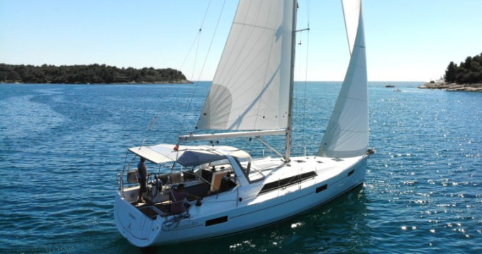 Bénéteau Oceanis 41.1 between personal and professional Rogoznica