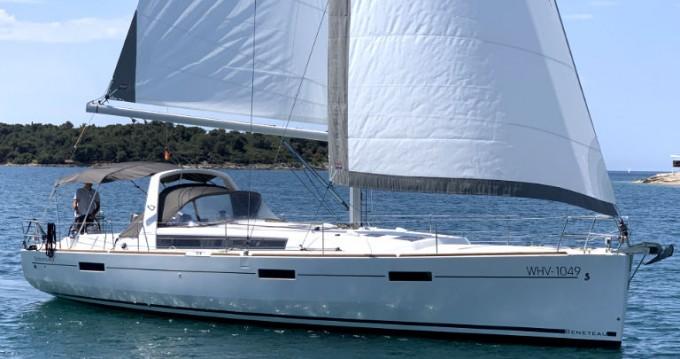 Boat rental Bénéteau Oceanis 45 in Pula on Samboat