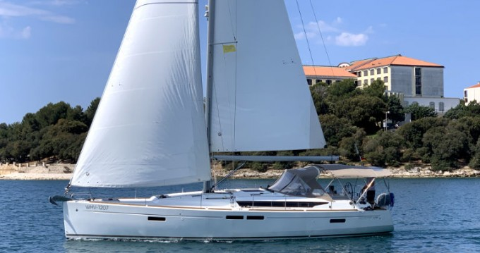 Boat rental Jeanneau Sun Odyssey 479 in Pula on Samboat