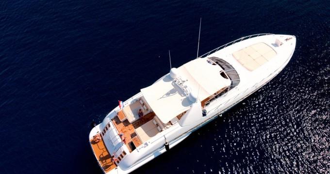 Boat rental Overmarine Mangusta 80 - 3 cab. in Seget Donji on Samboat