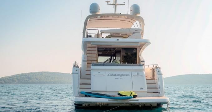 Boat rental Princess Princess 72 Flybridge - 4 + 1 cab. in Podstrana on Samboat