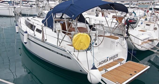 Boat rental Bavaria Cruiser 33 in Split on Samboat