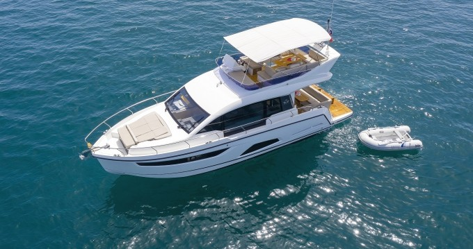 Hire Motorboat with or without skipper Sealine Kaštela