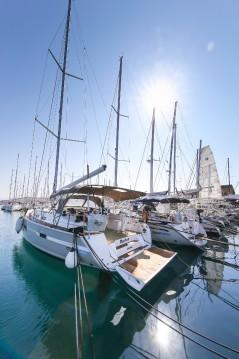 Rental Sailboat in Split - Bavaria Cruiser 45
