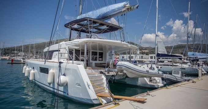 Hire Catamaran with or without skipper Lagoon Eden Island