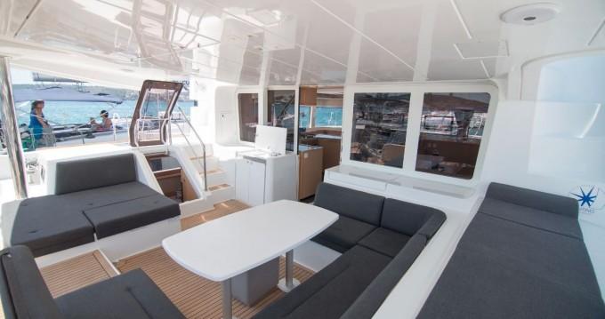 Boat rental Eden Island cheap Lagoon 52 F
