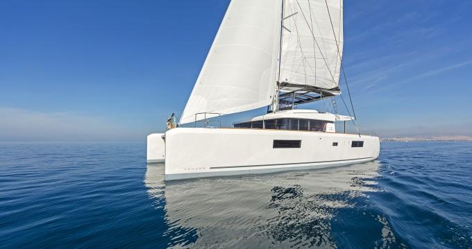 Rental Catamaran in Alimos - Lagoon Lagoon 52