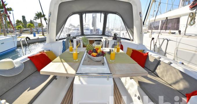 Boat rental Bénéteau Oceanis 35 in Kos on Samboat