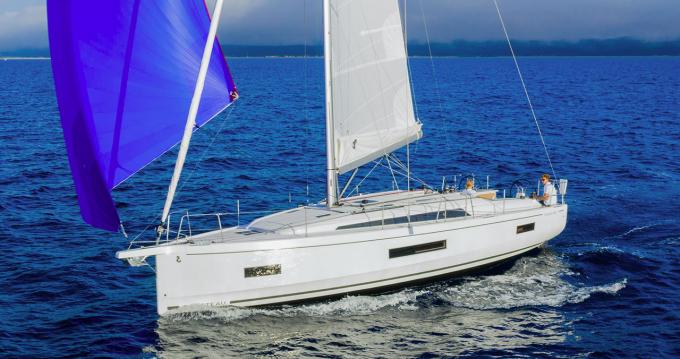 Rental Sailboat in Punat - Bénéteau Oceanis 40.1
