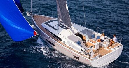Hire Sailboat with or without skipper Bénéteau Rogoznica
