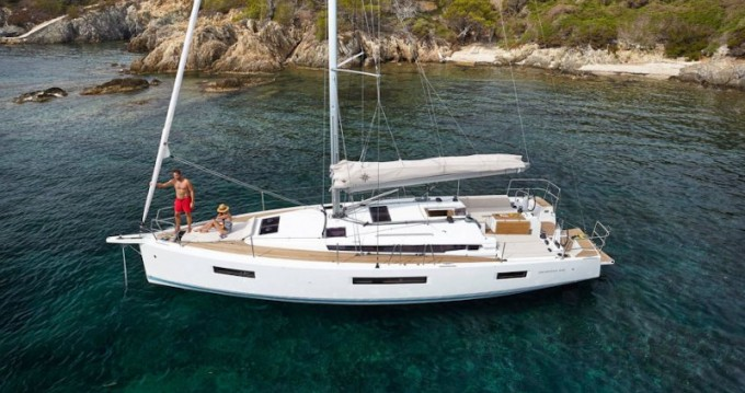 Jeanneau Sun Odyssey 440 between personal and professional Volos