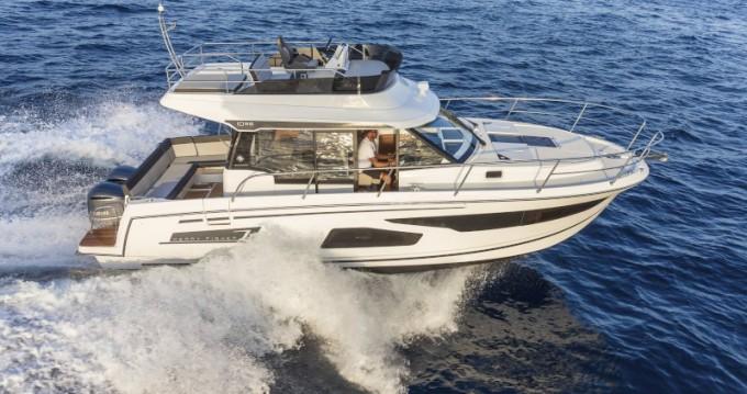 Rental yacht Sukošan - Jeanneau Merry Fisher 1095 Fly on SamBoat