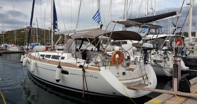 Jeanneau Sun Odyssey 42i between personal and professional Lávrio