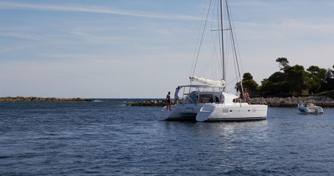 Rental Catamaran in Pomer - Lagoon Lagoon 380