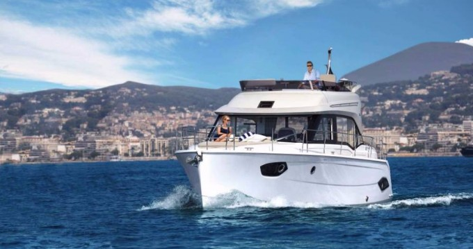 Hire Motorboat with or without skipper Bavaria Biograd na Moru
