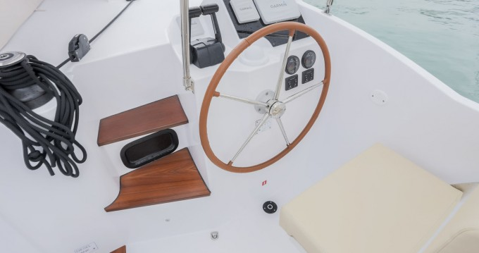 Hire Catamaran with or without skipper Nautitech Seget Donji