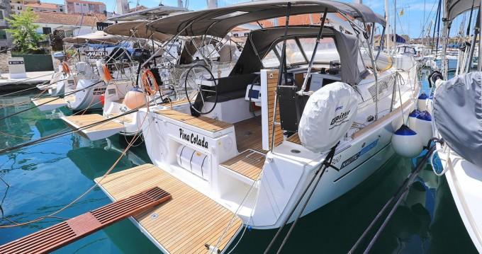 Boat rental Dufour Dufour 360 Grand Large in Trogir on Samboat