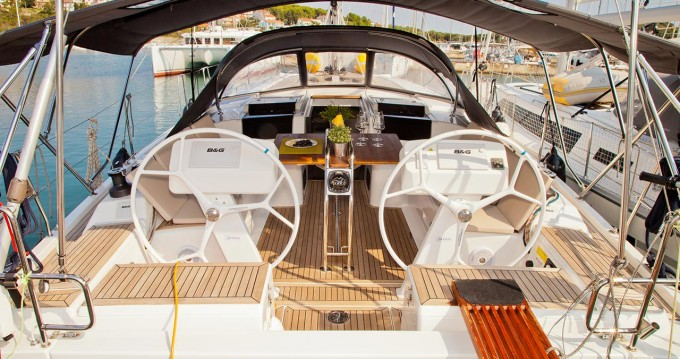 Hire Sailboat with or without skipper Hanse Pula