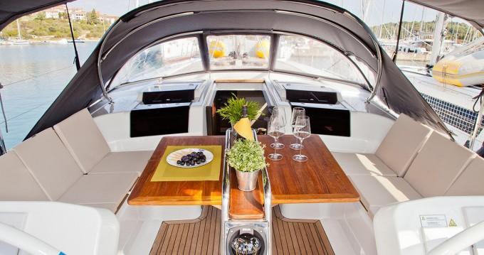 Rental Sailboat in Pula - Hanse Hanse 458