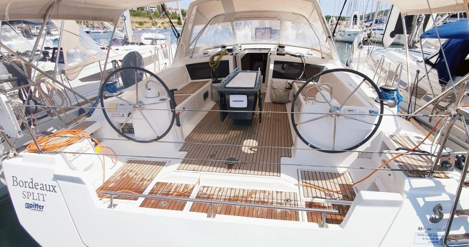 Bénéteau Oceanis 48 between personal and professional Pula