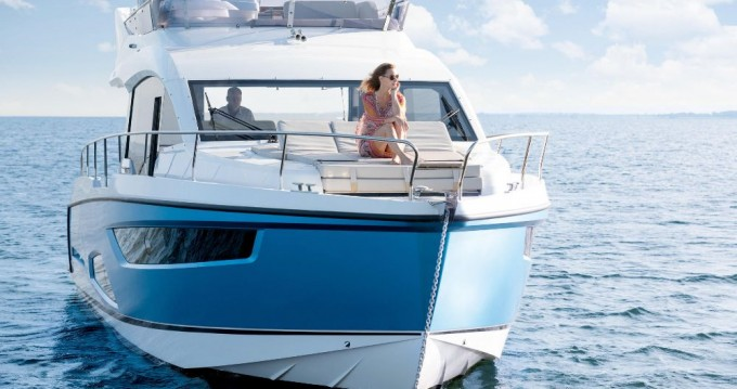 Motorboat for rent Pula at the best price