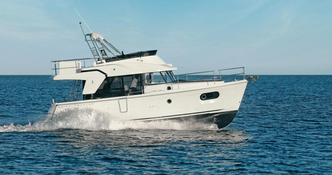 Rental Motorboat in Biograd na Moru - Bénéteau Swift Trawler 35