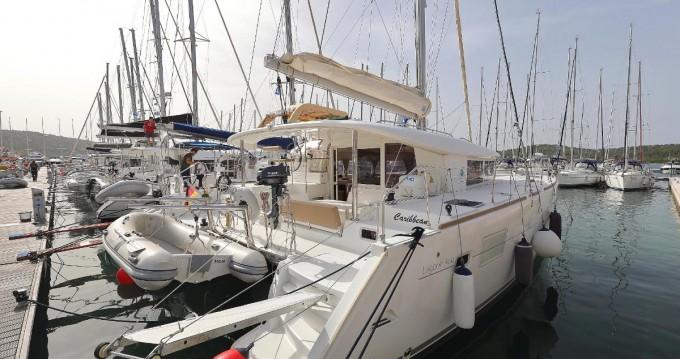 Boat rental Pula cheap Lagoon 400