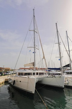 Rental yacht Pula - Lagoon Lagoon 400 on SamBoat