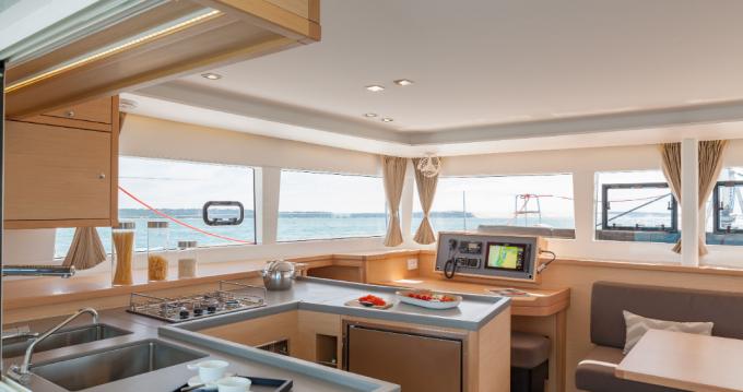 Rental yacht Lávrio - Lagoon Lagoon 450 F on SamBoat
