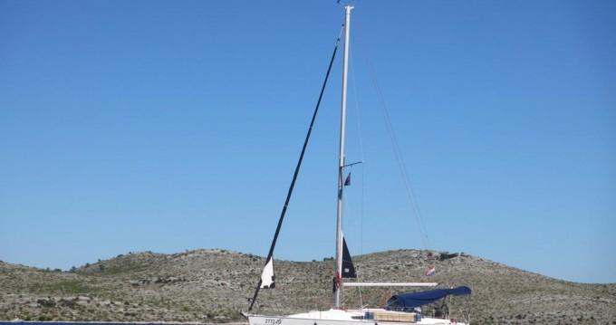 Jeanneau Sun Odyssey 32i between personal and professional Zadar