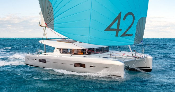 Hire Catamaran with or without skipper Lagoon Pomer