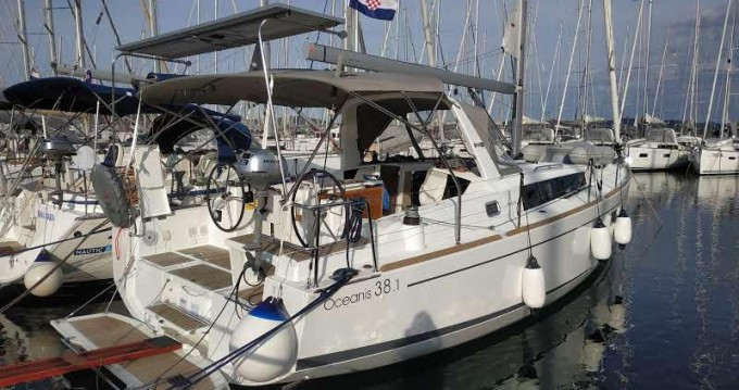 Rent a Bénéteau Oceanis 38.1 Biograd na Moru