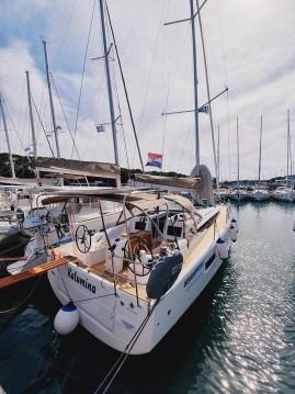 Rental yacht Pula - Jeanneau Sun Odyssey 410 on SamBoat